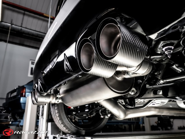 RAGAZZON GR YARIS WITH CARBON SHOT TAILPIPES